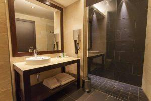 camera-classic-bagno-bathroom-bedroom-hotel-residence-villa-bartolomea