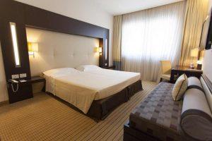 camera-classic-letto-bedroom-hotel-residence-villa-bartolomea