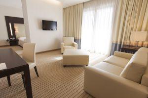 suite-room-zimmer-poltrone-sofà-light-luce