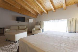 camera-superior-matrimoniale-bedroom