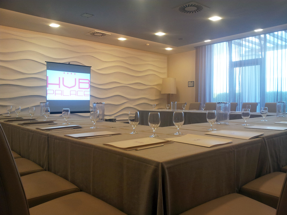 sala-vip-tavolo-meeting